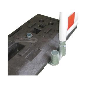 Distanzhalter für Absperrschrankengitter in Fußplatten